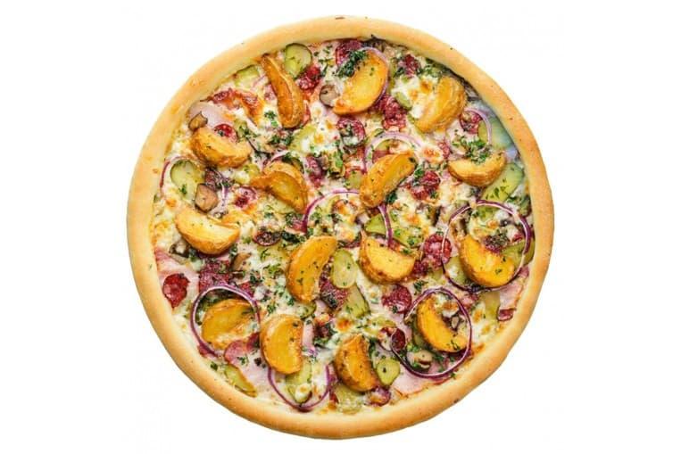 Пицца «По-деревенски с нежным беконом под соусом Цезарь»