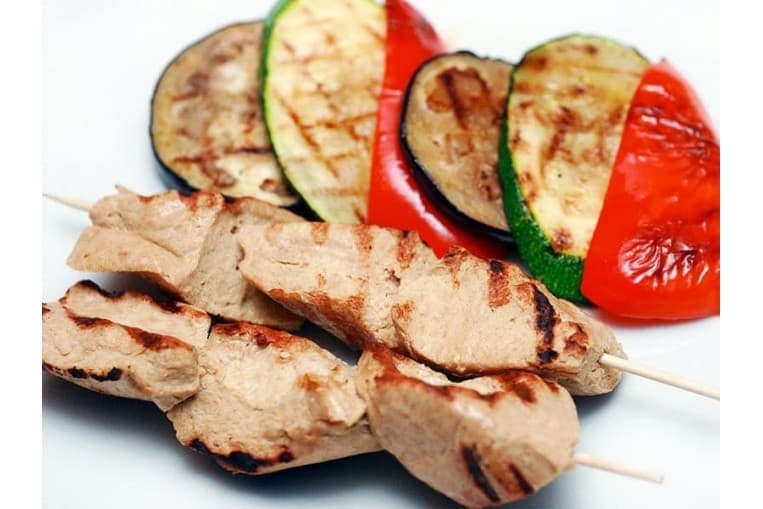 Ассорти овощей гриль с куриным шашлыком