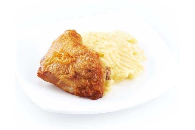 Курица фаршированная, картофельное пюре с соусом тар-рар