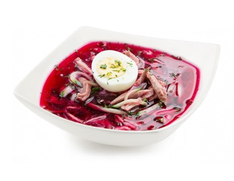 Борщ холодный с яйцом (свекла, ветчина, огурец свежий, яйцо, сметана, зелень)