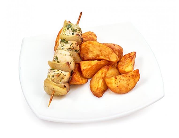 Шашлычок из курицы, картофель с грибами
