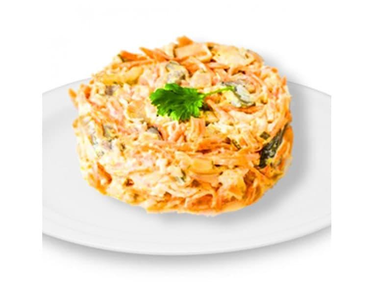 Салат «Вдохновение» с сердцем (сердце куриное, маринованные грибы, морковь по-корейски, кунжут)