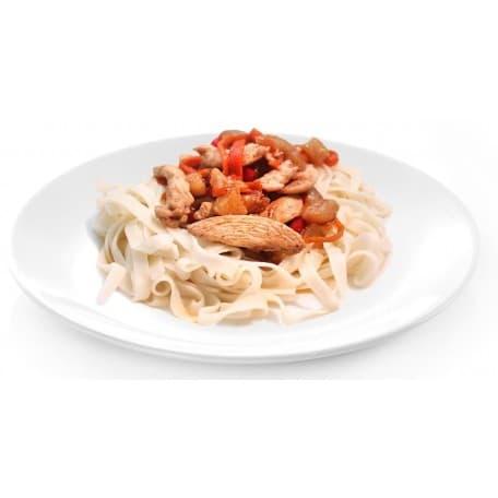 Острая лапша с курицей и овощами